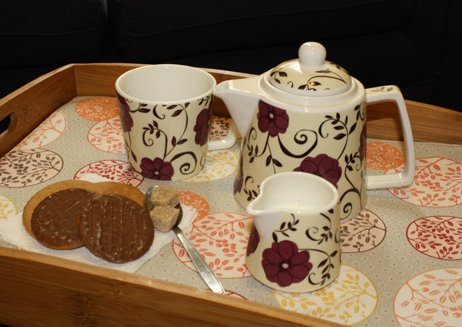 TEA SET FOR GROWN UPS